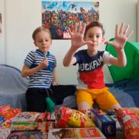 Eksperiment sa decom i slatkišima
